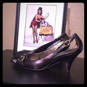 🔥BANDOLINO🔥 brown knitten heels size 7